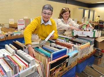 Milton book sale to support CFUW