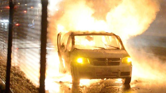 Minivan catches fire on Burlington highway ramp
