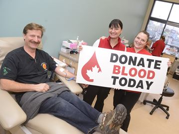 Blood donors needed in Burlington over the holidays