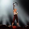 Madonna kisses Drake on stage-Image1