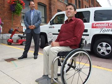 Paralympian celebrates caregivers in Orillia