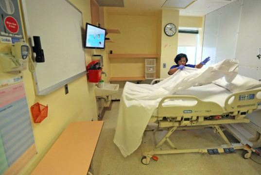 the solution to the nursing shortage crisis Concerning the nursing shortage that we are experiencing today, some say that there are already solutions to at least make the problem lighter but some say that this.