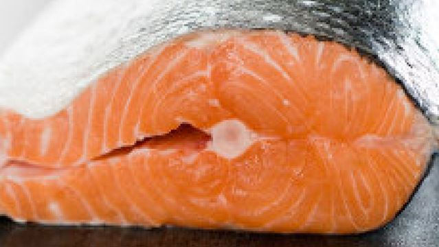 Researchers identify japanese tapeworm parasite in alaskan for Raw fish parasites