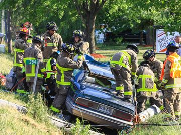 Car collides with hydro pole in Grimsby