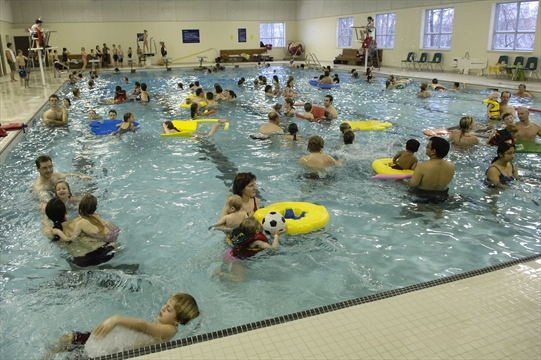 Senior requests warm water therapy pool for Aldershot swimming pool burlington