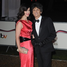Ronnie Wood and Sally Humphreys welcome twin daughters-Image1