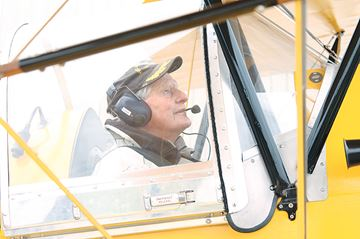Veteran takes to skies in vintage Tiger Moth