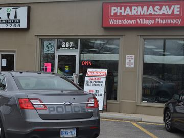 Police investigate robbery at Waterdown pharmacy