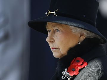 How should Midland commemorate Queen Elizabeth II's reigning record?