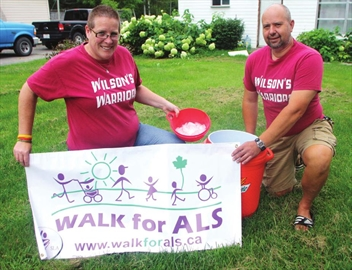 Ice Bucket Challenge thrills ALS fund raisers– Image 1
