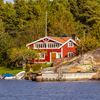 Buyer's guide to choosing a waterfront property in cottage country
