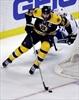 Lack stops 40 for Canucks in win at Boston-Image1