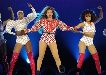 Canada's Dsquared2 outfit Beyonce for tour-Image1