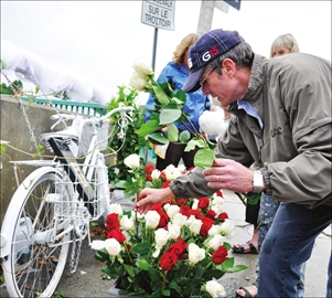 Ghost bike fitting tribute for tragic accident– Image 1