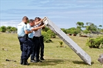 Malaysian premier: plane debris to be sent to France-Image1