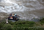 Booms not containing Saskatchewan oil spill-Image1