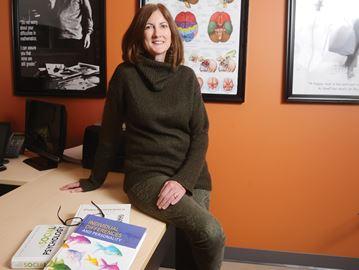 Dr. Beth Visser