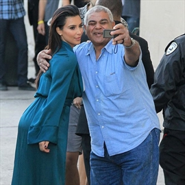 Kim Kardashian West submitted 2,000 selfies for book-Image1