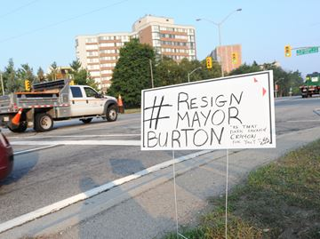 No members of Oakville council calling for mayor's resignation
