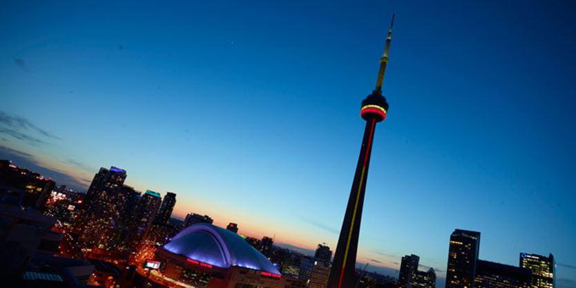 Toronto S Cn Tower Toronto Com