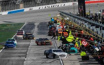 Atlanta delays resurfacing of 20-year-old NASCAR track-Image1