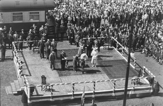 Long-lost Photos Reveal Royal Visit To Kitchener From 1939