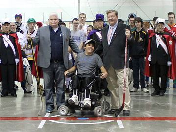 Ball hockey tournament helps Tottenham teen