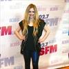 Avril Lavigne 'doing a lot better'-Image1