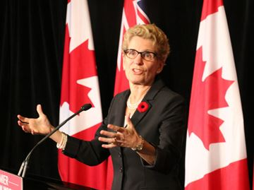 Kathleen Wynne says passage of sports betting bill would help gaming industry