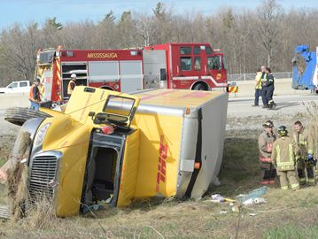 People injured in Hwy. 407 crash