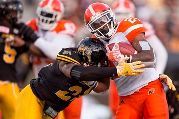 Jennings, Lions hammer Tiger-Cats 28-3-Image1