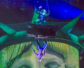 Ramon Dickenson plays Spider-Man nemesis Green Goblin in Marvel Universe Live-image1