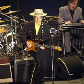 Bob Dylan acknowledges Nobel Prize win-Image1