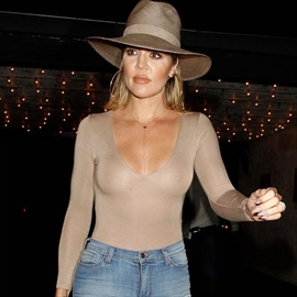 Khloé Kardashian would rather release the nipple-Image1