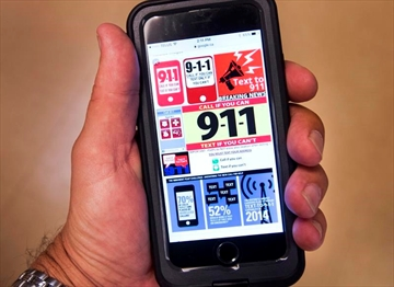 Montreal urged to consider 911 texting service-Image1