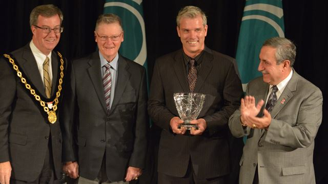Dunrobin man recipient of city's Excellence in Coaching award
