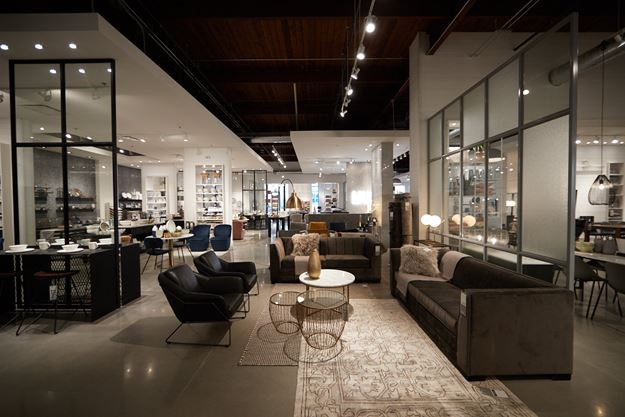 Home Société In Toronto Is Home To High-end Furniture
