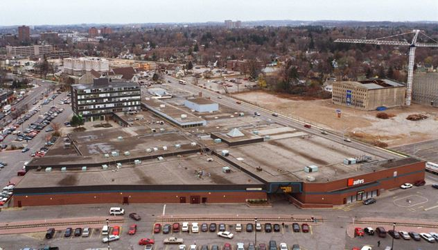 #TBT 1998: Waterloo Gives Thumbs-up To Seagram Lands