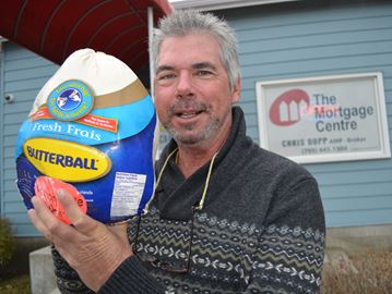 Collingwood businessman giving away turkey dinners