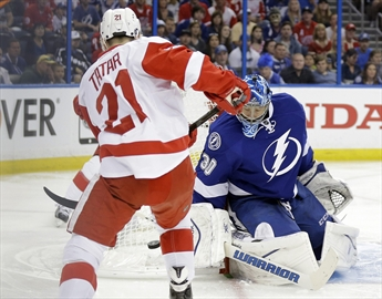Lightning rebound to even series against Red Wings-Image1