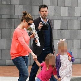 Ben Affleck and Jennifer Garner almost split after son's birth-Image1