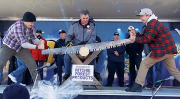 Midland councillors flex muscles at log-sawing contest