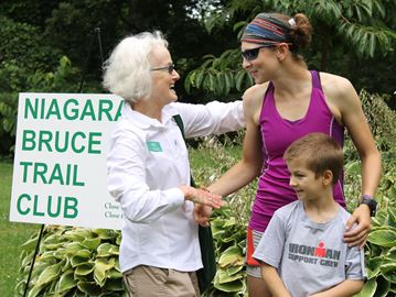 Blind Barrie marathoner runs Bruce Trail in 20 days