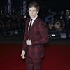 Eddie Redmayne gives wands to Beasts fans-Image1
