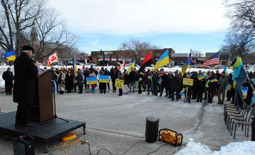 Retired University of Windsor professor Ihor Stebelsky speaks during a rally in support of Ukrainian freedom at Lanspeary Park March 9.