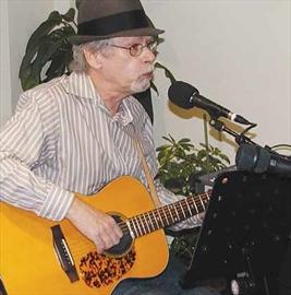 Jaan Kolk sings at Gaia Java– Image 1