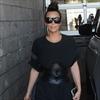 Kim Kardashian West chats with Calvin Harris-Image1