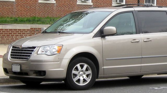 chrysler adds nearly 696 000 minivans to earlier ignition switch recall. Black Bedroom Furniture Sets. Home Design Ideas