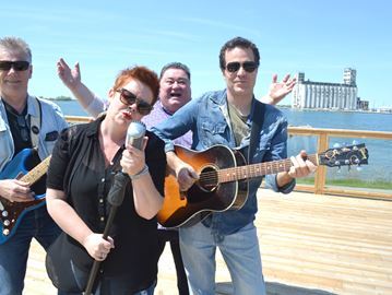 Collingwood Idol gets makeover as town searches for Canadian talent