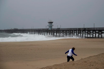 2 dead as storm lashes Southern California-Image25
